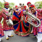 Jaipur Maharaja Brass Band - fanfare indienne Indian Marching band , musique des rues , arts de la rue , Fakir , dancer , acrobat indian